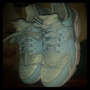 Nike Huraches baby blue sz 7.5